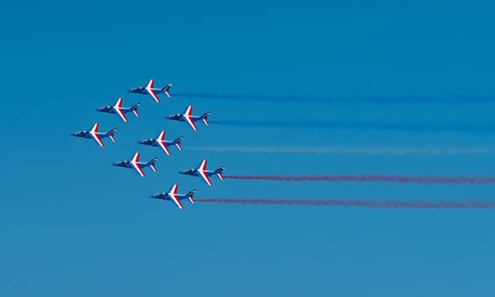 Magazine Chic - RedBull Air Race Cannes - La patrouille de France